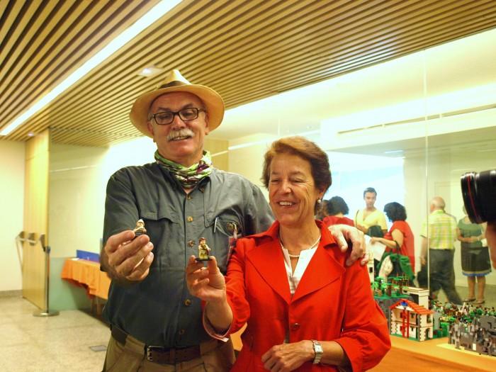 Eudald Carbonell y Aurora Martín con su alter-ego LEGO